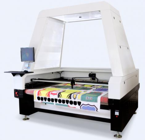 máy cắt vải laser tự động
